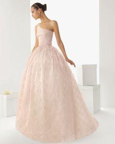 Vestido de novia color rosa pastel