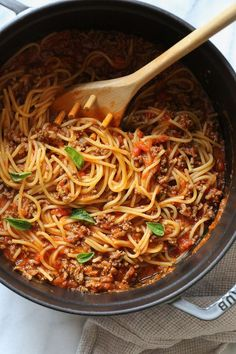 This EASY Spaghetti and Meat Sauce is cooked all in one pot! The meat sauce is made from scratch on the stove and cooked with the spaghetti all at the same time. No extra pots to wash, fast and delicious! A few weeks ago I share this Instant Pot version of a One-Pot Spaghetti and Meat Sauce using jarred marinara sauce and turkey instead of beef. Tons of questions if it could be made on the stove, so of course to answer those questions I had to test it on the stove for the timing of the…
