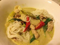 Green Curry with Chicken and Noodle