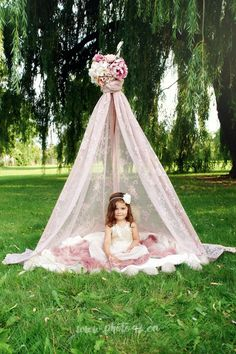 pink lace tent with pink flowers. Mini photo session idea by www.photo42.ca Mini session props, kids teepee, photography ideas for 2 year old; toddler girl