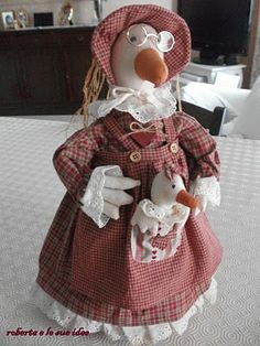 """""""Roberta e Le Sue Idee"""": PAPERA FERMAPORTA Farm Crafts, Diy And Crafts, Pet Toys, Doll Toys, Farm Animals, Cute Animals, Chicken Crafts, Shabby Chic Flowers, Easter Parade"""