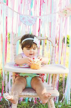 A MORNING IN THE WILDFLOWERS, LILY'S ONE YEAR SESSION – ORLANDO, FLORIDA CHILDREN'S PHOTOGRAPHER