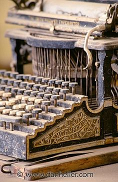 Lovely old typewriter. Wonder whose it was, what he or she wrote on it… #typewriter #writing