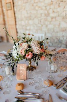 Mariage bohème chic de Florence et Cédric - Drôme - Perfect Wedding, Fall Wedding, Diy Wedding, Wedding Ceremony, Rustic Wedding Decorations, Wedding Table Numbers, Bohemian Chic Weddings, Bridal Flowers, Wedding Trends