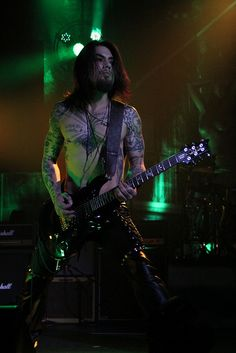 Dave Navarro of Jane's Addiction in Tulsa.