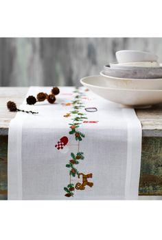 Christmas Crafts, Xmas, Christmas Runner, Paper Crafts, Diy Crafts, Royal Copenhagen, Hand Embroidery Designs, Napkins, Cross Stitch