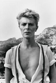 David Bowie, Monte Carlo, 1983. - (Helmut Newton, Helmut Newton Estate)