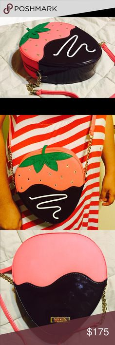 """Kate Spade strawberry crossbody How cute is the chocolate dipped strawberry crossbody bag by Kate Spade?!  Zip top closure with roomy interior. Seeds are clear jewels!  8"""" x 7.25"""" x 2.6"""". NWOT the plastic tag holder is still attached but the tag tore off. NEVER USED!  No trades. kate spade Bags Crossbody Bags"""