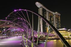 Helix and Marina Bay in Singapore (c) LiH