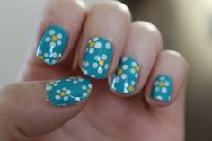 Woo Be Red: Daisy Print Nails