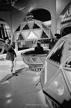 Doctor Who Tv, First Doctor, Avant Garde Film, William Hartnell, Classic Doctor Who, Bbc Tv, Dalek, Scene Photo, Retro Futurism