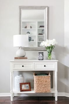 Entryway Console Table, Entryway Furniture, Home Decor Furniture, Home Design, Interior Design, Entrance Decor, Entryway Decor, Hallway Inspiration, Upcycled Home Decor