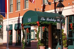 Welcome to The Berkeley Hotel, Richmond Virginia Richmond Hotel, Berkeley Hotel, Home And Away, 4 Star Hotels, Hotel Offers, Guest Room, Outdoor Decor, Christmas, Home Decor