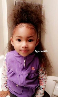 Her hair looks dry and brittle but she's a cutie. Cute Mixed Babies, Cute Black Babies, Beautiful Black Babies, Cute Baby Girl, Beautiful Children, Cute Babies, Baby Kids, Kids Fever, Baby Fever