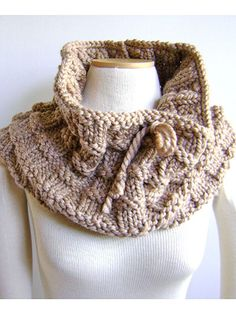 Whip up this chic cowl in just 1 weekend! The lighter the yarn color, the more effective the trendy basket weave effect is visible in this lovely cowl. The large needles and heavier yarn makes it quick-to-knit using only 2 skeins of yarn.