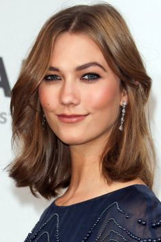 The wavy lob with face-framing layers