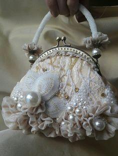 bead hand bag