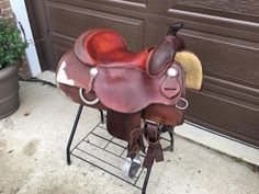 15.5 Vic Bennett Reining Saddle. Cowboy Hats