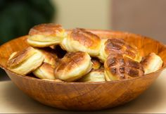 Krumplis pogácsa Zsolt konyhájából recept képpel. Hozzávalók és az elkészítés részletes leírása. A krumplis pogácsa zsolt konyhájából elkészítési ideje: 45 perc