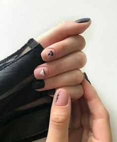 Amazing nails designs or nail polish. Nail Manicure, Diy Nails, Cute Nails, Pretty Nails, Soft Nails, Simple Nails, Triangle Nails, Mens Nails, Minimalist Nails