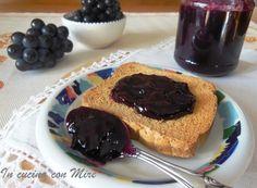 """La confettura di uva fragola """" mostarda """" è da fare in questa stagione, l'uva raggiunge la piena maturazione è molto dolce ed è profumatissima."""