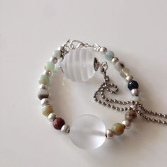 Een zomers setje bij zomers weer #lampwork #wit #mat #k#beads #armband #ketting