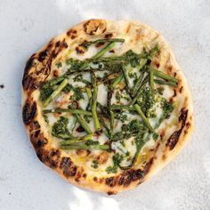 Homemade pizza recipes, from classic pizza Margherita to a cacio e pepe pizza. Get these and more great pizza recipes at Food & Wine. Pizza Recipes, Wine Recipes, Vegetarian Recipes, Cooking Recipes, Veggie Recipes, Yummy Veggie, Healthy Recipes, Party Recipes, Veggie Dishes