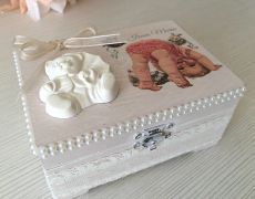 BABY GIRL sweet shabby box Shabby Boxes, Vintage Home Decor, Decorative Boxes, Shabby Chic, Sweet, Baby, Retro Home Decor, Babys, Baby Humor