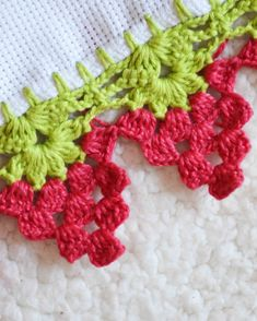 Crochet Boarders, Free Crochet Doily Patterns, Crochet Lace Edging, Crochet Flower Tutorial, Crochet Diagram, Crochet Trim, Filet Crochet, Crochet Designs, Crochet Flowers