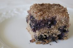 Blueberry Crumb Cake (vegan) The Conscious Kitchen Clean Eating Vegetarian, Vegetarian Recipes, Good Food, Awesome Food, Blueberry, Recipies, Meals, Vegan, Healthy
