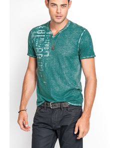 Shop online for wide range of collections from Top Fashion Brands in India at Majorbrands.in. For more details visit here: http://www.majorbrands.in/brand/cl_2-c_4058/men/apparel.html or call on 1800-102-2285 or email us at estore@majorbrands.in.