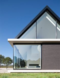 Villa Geldrop / built in the Dutch countryside. designed by Hofman Dujardin Architects. via Dezeen.