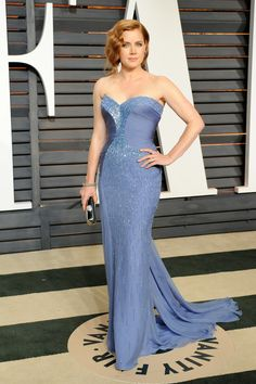 Amy Adams donned a flattering shade of periwinkle to the Vanity Fair Oscars party this year.