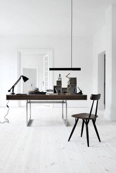 WOOD DESIGN BLOG || Some conceptual and beautiful desks that allow those sitting at them to dare to dream || #wood #design #furniture #desk ||