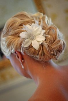 Pretty side updo.--i might be rethinking this whole all my hair down..this is such a beautiful hair style!!!