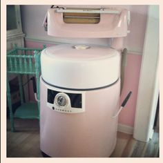 PINK Kenmore wringer washer.  My grandmothers was just like this except it was white.