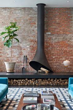 William Morris Wallpaper, Morris Wallpapers, Duplex Design, House Design, Design Design, Manhattan Buildings, Firewood Logs, Brooklyn Apartment, Penthouse Apartment