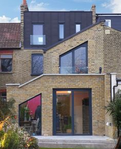 Lewisham house extension and zinc clad dormer loft. Full planning permission and RIBA architects services by Klassnik for this domestic house renovation.