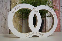 Hochzeit - Hochtzeisringe mit Gravur Hochzeitsgeschenk Holz   - ein Designerstück von ZimmerNo13 bei DaWanda