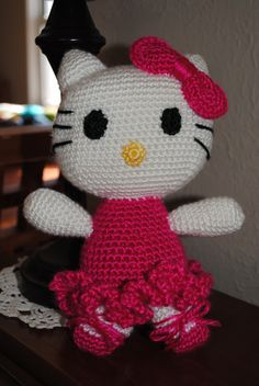 Hello Kitty amigurumi, crochet