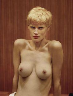 revista hombres desnudos mujeres haciendoyoga desnudas