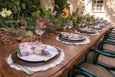 Decoração de casamento ao ar livre (sem gastar muito!) Boho Chic, Boho Style, Album, E Design, Boho Fashion, Table Settings, Weddings, Blog, Wedding Table