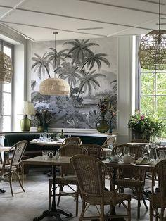 Ananbo Papier Peint Tana Grisaille Restaurant Les Belles Plantes Paris Idee Deco Restaurant Deco Maison Salle A Manger Peinture