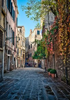 Explore Italy: Popular Places You Must Visit (part Oh The Places You'll Go, Places To Travel, Places To Visit, Mykonos, Santorini, Dream Vacations, Vacation Spots, Rome Florence, Venice Italy