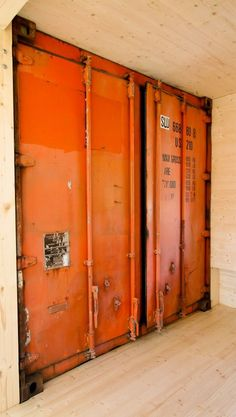 containers doors