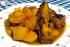 Uno de mis guisos preferidos, el de costillas con patatas en salsa amarilla que hace mi madre http://www.recetasderechupete.com/guiso-de-costillas-con…/…/ #guiso #derechupete