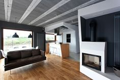 Beam House - This stunning modern residence designed by Polish architecture firm mode:lina is situated in Poznań.