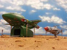 Thunderbird 1 and 2 in dessert Science Fiction, Thunderbird 1, Timeless Series, Thunderbirds Are Go, Retro Rocket, Sci Fi Shows, Sci Fi Tv, Retro Toys, Animation