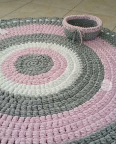 Carpet Runners For Hallways Ikea Crochet Mat, Crochet Carpet, Crochet Dishcloths, Loom Knitting, Knitting Stitches, Knitting Designs, Knitted Pouf, Knit Rug, Floral Embroidery Patterns