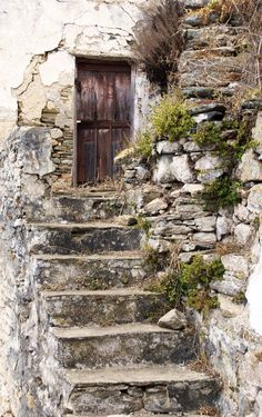 Alter TREPPENAUFGANG You are in the right place about Stairs office Here we offer you the most beautiful pictures about the Stairs drawing you are looking for. Cool Doors, Door Knockers, Gates, Wooden Doors, Doorway, Abandoned Places, Abandoned Houses, Windows And Doors, Stairways